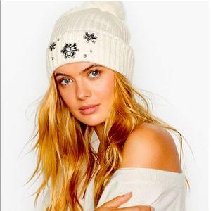 Victoria's Secret White Sparkle Pom Pom Beanie NWT